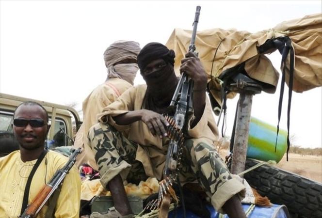 Après des heures d'affrontement, les salafistes chassent le MNLA de Gao : Le film des événements