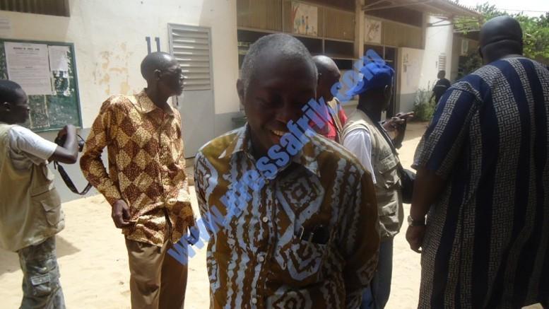 PHOTOS & VIDEO Scrutin Législatives 2012: Mamadou Lamine Diallo au centre où vote Wade