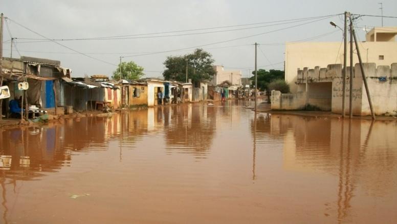 Inondation en banlieue: le PM en quête de solutions définitives