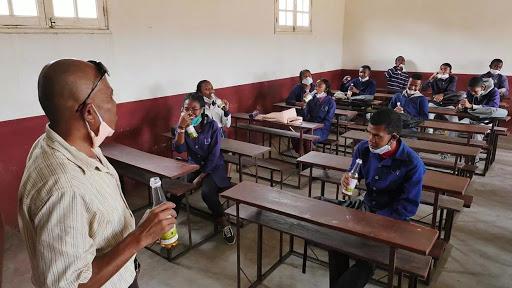 Coronavirus à Madagascar: prise collective du remède présidentiel dans les écoles
