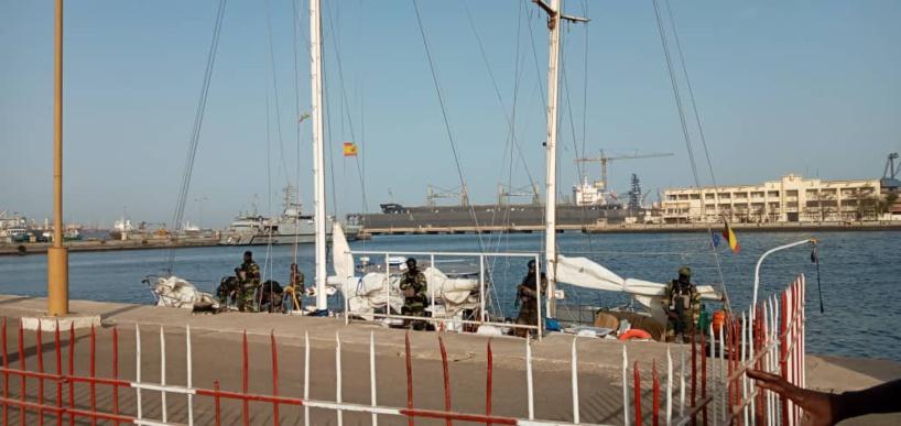 Une importante quantité de drogue saisie par la Marine nationale: la police scientifique sur place (Images)