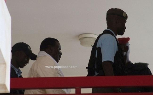 Réunion des avocats de Cheikh Béthio ce samedi pour statuer sur le rejet de la demande de liberté provisoire