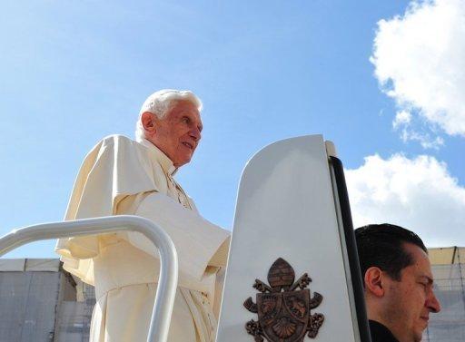 """Le majordome du pape a été assigné à domicile samedi, après 53 jours de détention pour avoir volé et transmis des documents ultra-confidentiels à l'extérieur du Vatican, dans le but d'""""aider"""" le Saint-Père et rendre l'Eglise """"plus vivante"""" selon ses avocats"""