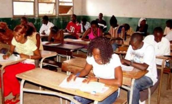 Les élèves en classe de 3ème face aux épreuves du BFEM ce mercredi