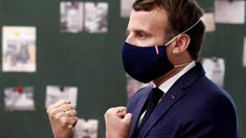 """Covid-19 : """"On va limiter les grands déplacements internationaux"""" cet été, annonce Emmanuel Macron"""
