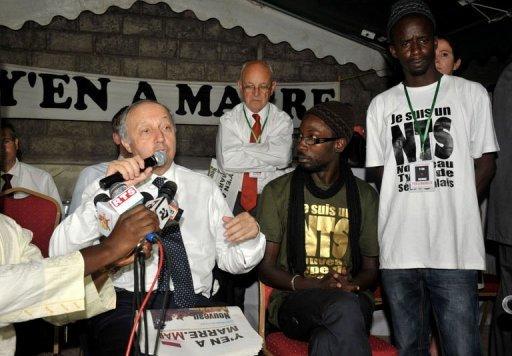 """Sénégal: Laurent Fabius salue """"l`exemple"""" du mouvement """"Y`en a marre"""""""