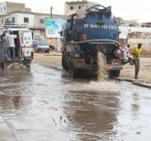 Inondations des routes et autres voies: des camions hydrocureurs à la rescousse