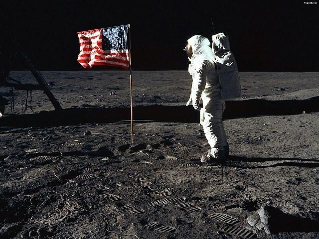 Disparition de Neil Armstrong, premier homme à avoir marché sur la Lune