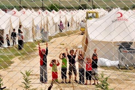 La Turquie suspend provisoirement l'accueil de réfugiés syriens sur son sol