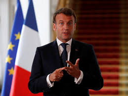 """Emmanuel Macron devrait lancer l'""""acte 3"""" de son quinquennat le 14 juillet"""