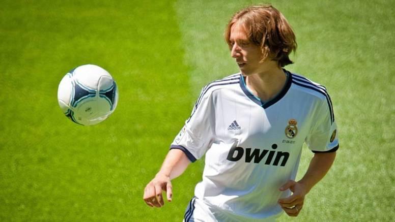 Supercoupe Real Madrid vs FC Barcelone: Mourinho va-t-il lancer Modric?
