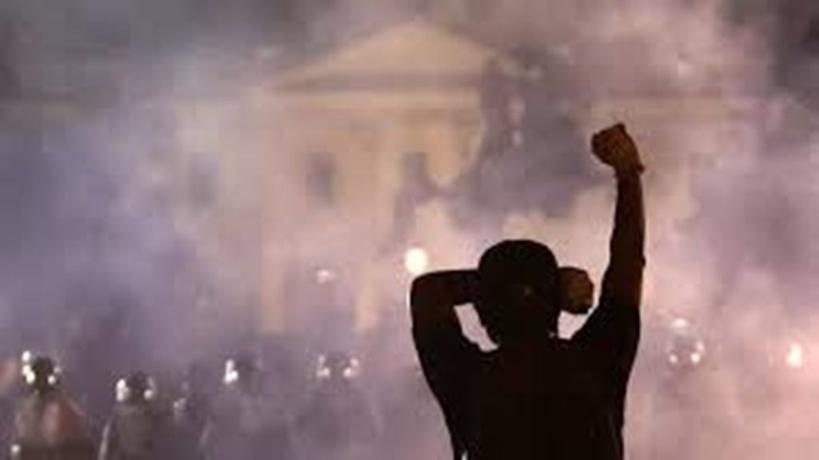 """La mort de George Floyd marque """"la fin des illusions nées avec l'élection de Barack Obama"""""""