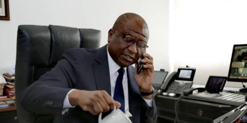 """Allégations pour trafic de drogue: le ministre ivoirien de la Défense porte plainte contre les auteurs de l'enquête et les """"relais"""""""