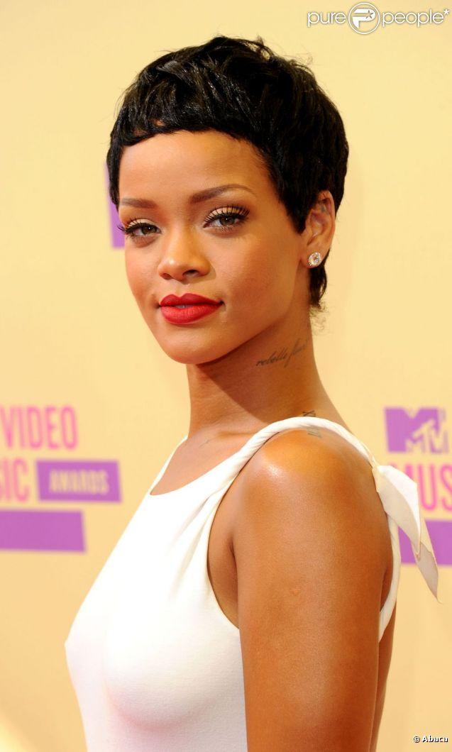 MTV VMA 2012 : Rihanna, star de la soirée, fait le show durant la cérémonie
