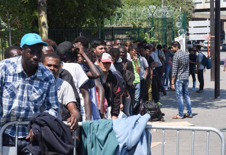 URGENT - 68 migrants dont 32 Sénégalais vont forcer la frontière du Maroc et faire face à 200 soldats