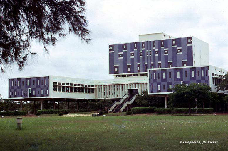 Directe Assemblée nationale : Le PM annonce l'audit de l'Université et non la suppression de bourses
