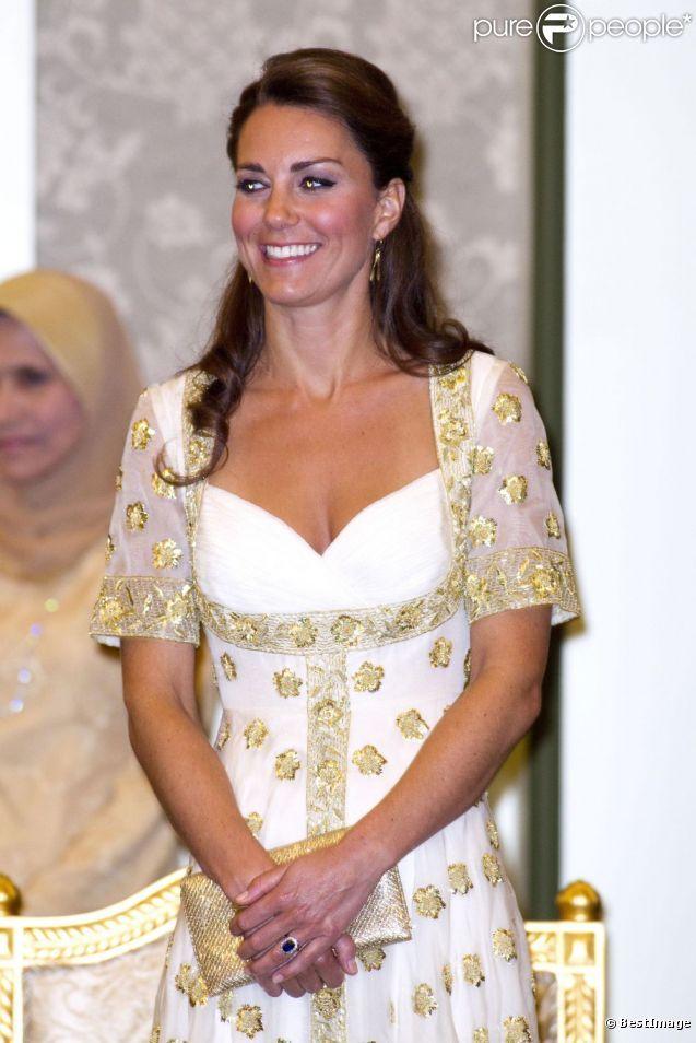 Kate Middleton topless dans Closer : La réaction officielle du couple princier