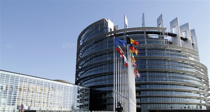 Union économique et monétaire européenne: création d'un mécanisme de surveillance unique (MSU) pour les banques de la zone euro