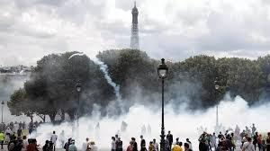 Polémique après l'interpellation d'une infirmière en marge de la manifestation des soignants à Paris