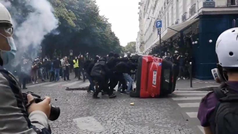 Heurts lors de la manifestation parisienne du 16 juin 2020. REUTERS
