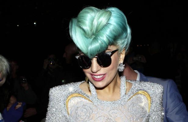 Actu des stars: Lady Gaga dévoile ses nouvelles formes... Beyoncé à nouveau enceinte?...