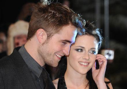 Kristen Stewart communiquerait-elle avec Rupert Sanders derrière le dos de Robert Pattinson ?