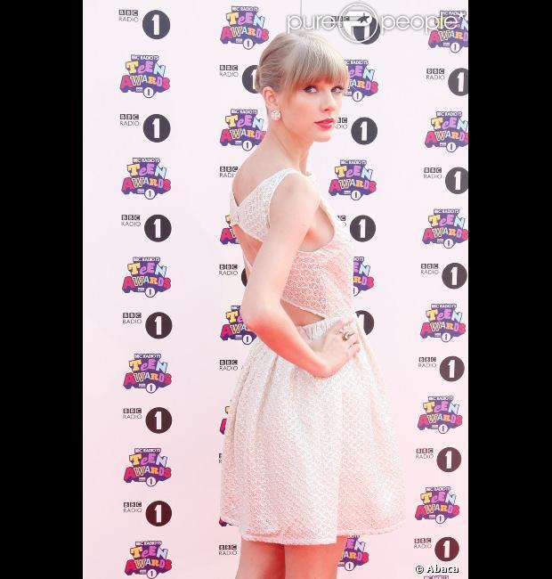 Taylor Swift : De passage à Londres, elle vole la vedette à Justin Bieber...