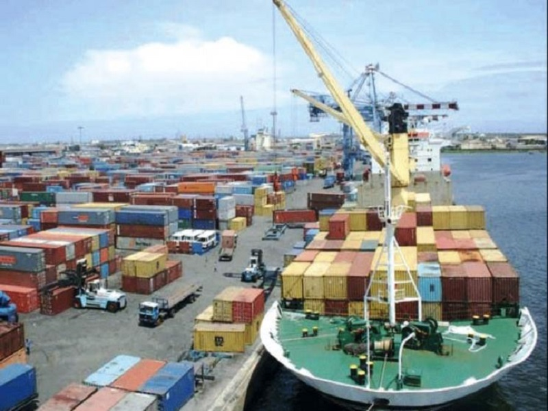 Port autonome de Dakar: un camion termine sa course dans la mer, fait un mort et un porté disparu