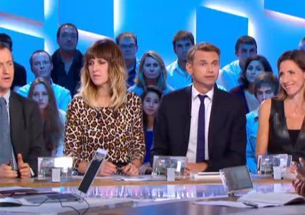 """Christophe Jakubyszyn et Alix Bouilhaguet : """"François Hollande s'éloigne de Valérie Trierweiler"""""""