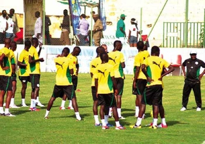 FOOTBALL : SENEGAL-COTE D'IVOIRE Diouf dévoile le projet de Koto