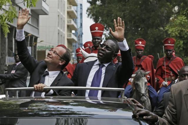 François Hollande n'est pas venu à Dakar les mains vides