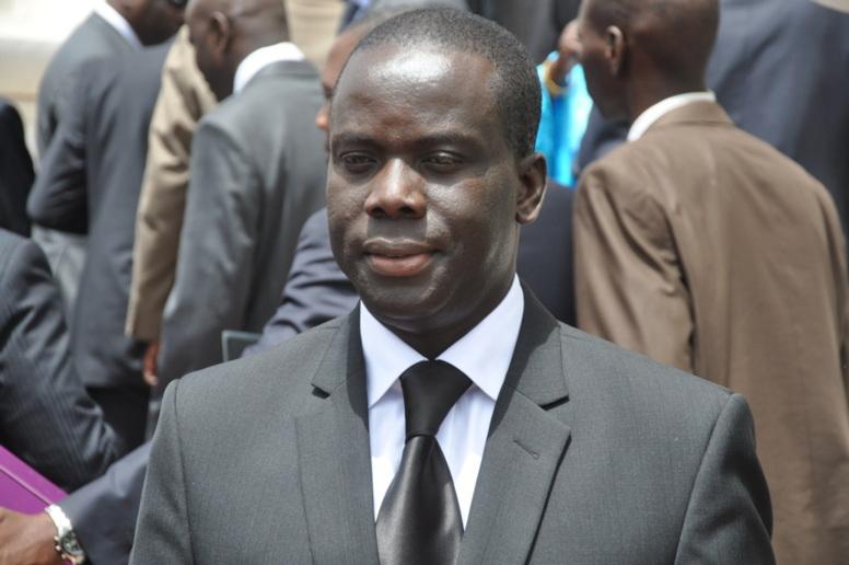 Le ministre des Sports, Malick Gackou blessé à la tête dans une pluie de pierres
