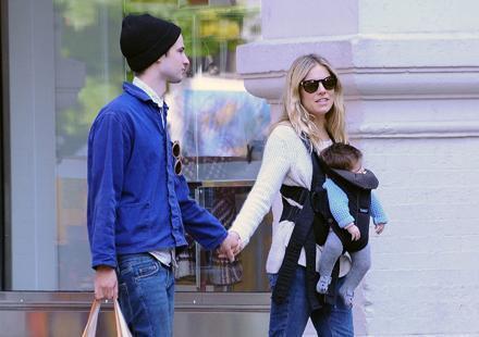 Sienna Miller et Tom Surridge : leur fille connaît déjà tout New York !