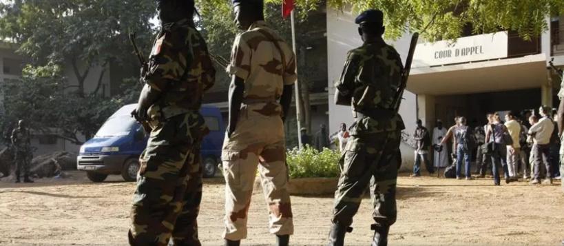 Incident entre militaires tchadiens et français devant la résidence du président Déby