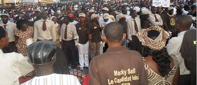 20 millions offerts par Macky Sall aux jeunes de l'APR : le yoonu yokkuté en aparté ?