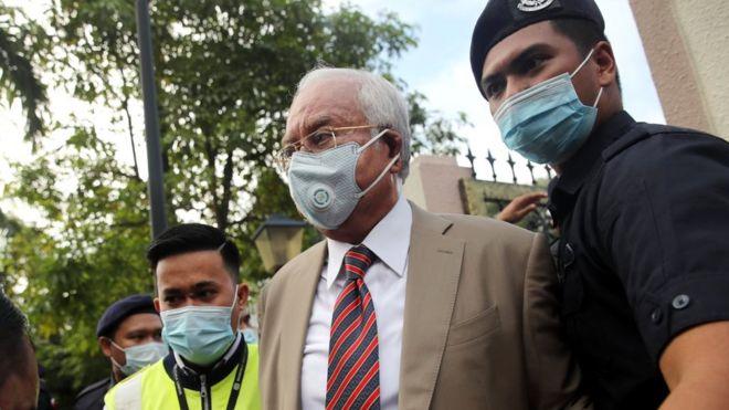Najib Razak, ex-PM malaisien reconnu coupable dans le procès pour corruption de plusieurs millions de dollars