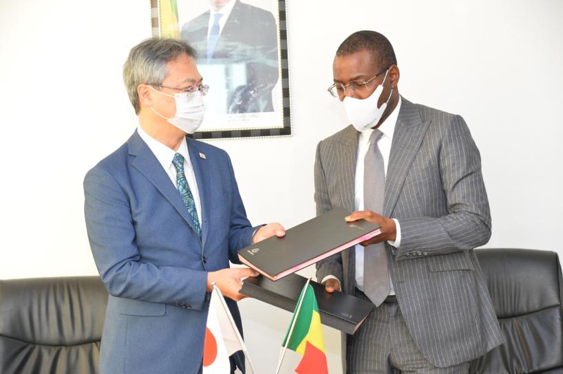 Projet de développement économique et social: le Japon fait un don de 2,5 milliards FCFA au Sénégal