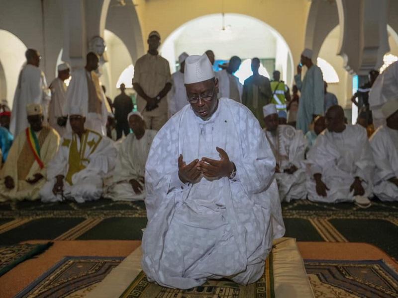 Tabaski : le Président Macky Sall prie chez lui