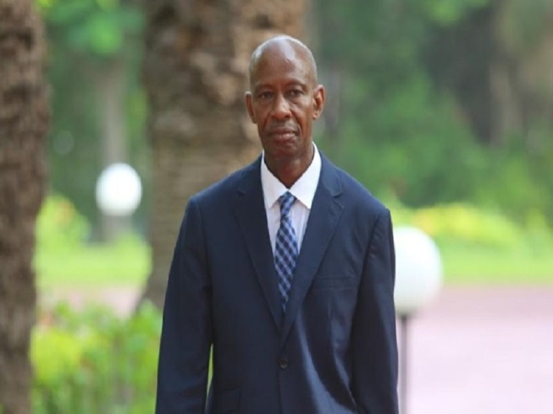 """Le ministre Samba Sy suite au décès de Mansour Kama : """"Je garde l'image d'un homme sobre, équilibré, d'une grande générosité"""""""