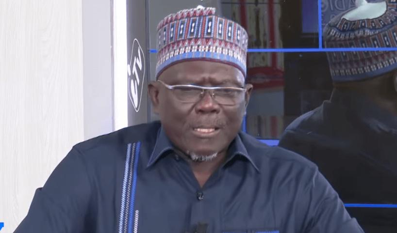 """Moustapha Diakhaté  :  """" L'Etat peut distribuer gratuitement 17 millions de préservatifs, mais pas suffisamment de masques"""""""