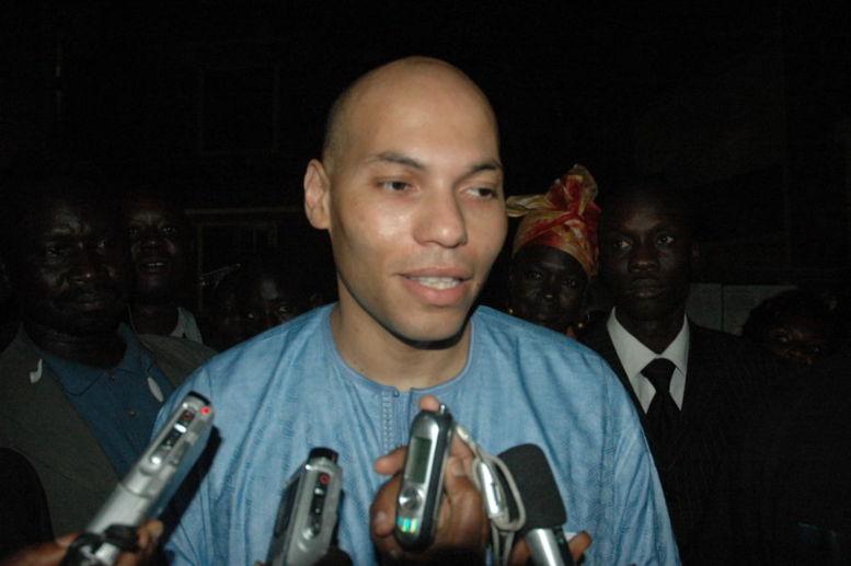 Rectificatif: Il n'y a aucun mandat d'arrêt international contre Karim Wade