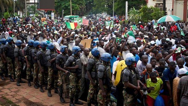 "Mali: Amnesty International dénonce une ""répression sanglante"" des manifestations"