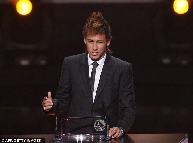 """FIFA Ballon d'or 2012: Neymar se diqualifie du podium et installe Messi """"numéro 1"""""""
