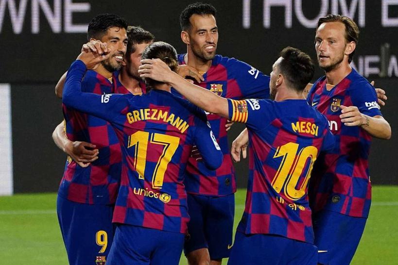 Barça: un joueur testé positif à la Covid-19