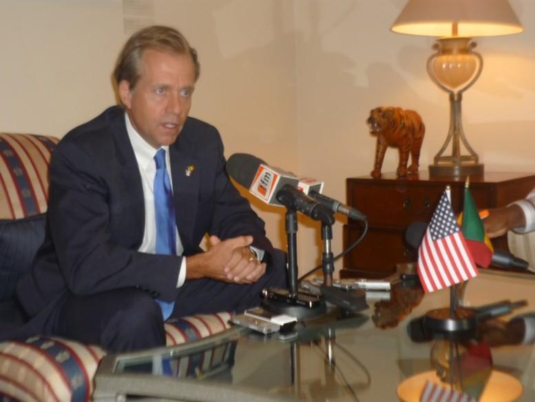 AUDIO – Spéciale présidentielle américaine – S.E M. Lukens, une minute après la victoire des démocrates, « … on va avoir quelques changements dans le gouvernement mais … »
