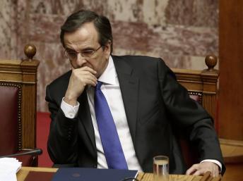 Grèce: l'adoption du nouveau plan d'austérité fragilise le gouvernement Samaras