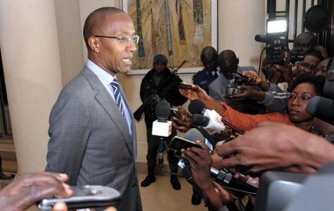 Non monsieur le premier ministre Abdoul MBAYE…  vos arguments nous laissent sur notre faim