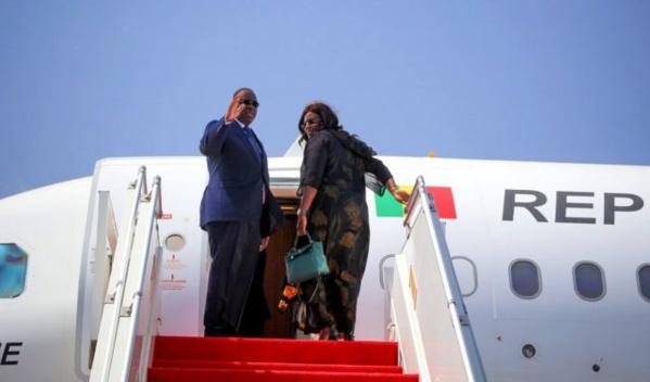 Macky Sall et son épouse s'envolent pour Paris