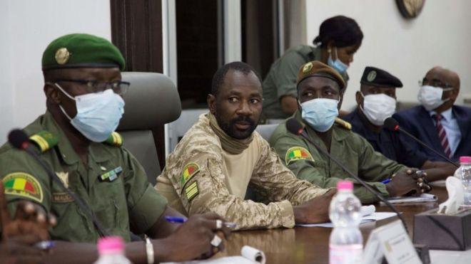 Coup d'Etat au Mali : les médiateurs de la CEDEAO proposent 12 mois de transition