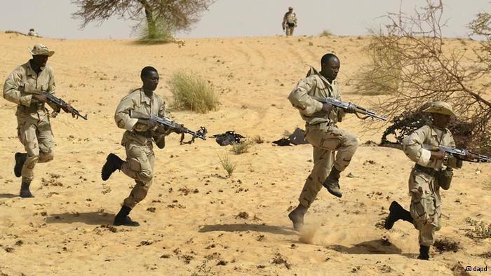 Mali: MNLA et Mujao se déchirent pour prendre Ménaka